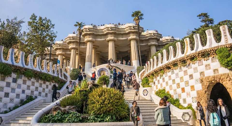 ARTISTIC BARCELONA PM THE BEST OF GAUDI Tours Packages Spain